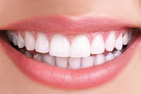 Luôn chăm sóc để giữ hàm răng được trắng sáng và bền chắc