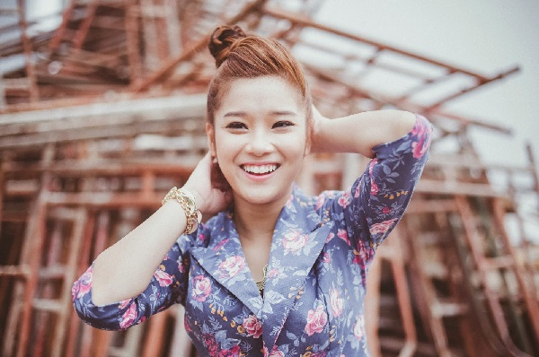 Ca sĩ Hoàng Yến Chibi được nhiều khán giả Việt yêu thích bởi nụ cưởi rạng rỡ