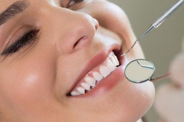Giới thiệu phương pháp trồng răng khểnh.