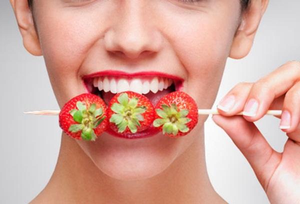 Cách làm trắng răng bằng phương pháp hoàn toàn tự nhiên