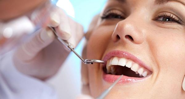 Có 2 loại răng sứ thông dụng nhất