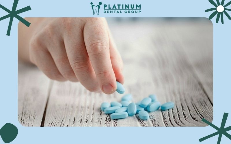 Dùng thuốc giảm đau cũng là cách chữa đau răng tại nhà thông dụng