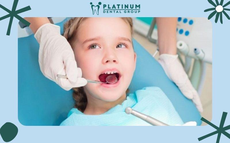 Phụ huynh cần lưu ý gì khi bé thay răng sữa
