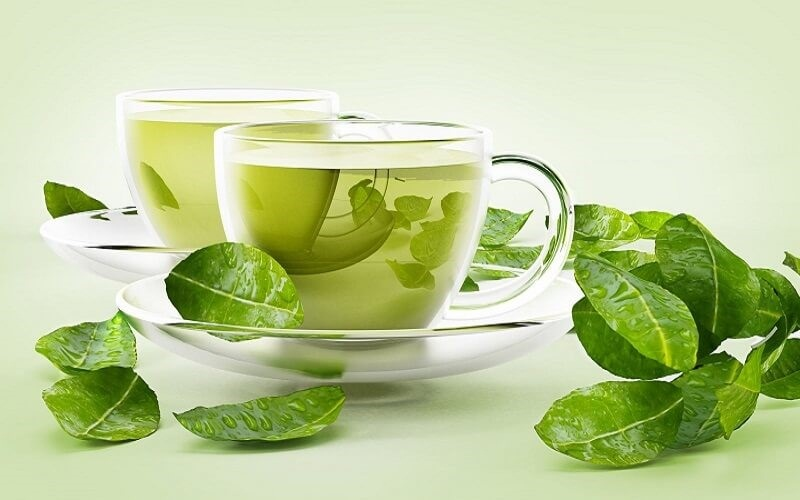 Nước trà xanh có ảnh hưởng tốt đến việc điều trị răng tụt lợi cũng như làm hơi thở thơm tho