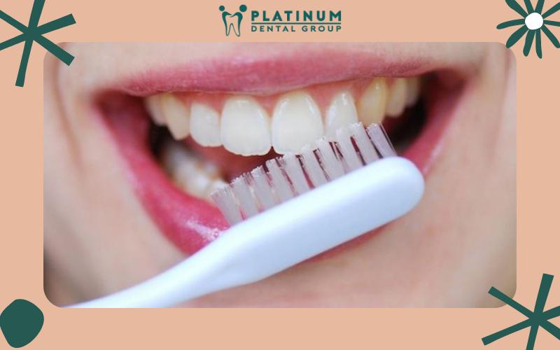 Hướng dẫn cách đánh răng đúng cách sau khi nhổ răng khôn
